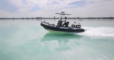 Stégen rekedt horgászokat mentettek ki a rendőrök a Balatonból   HorgászMánia friss horgász hírek